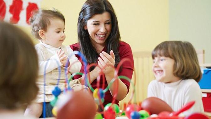 Cara Mendidik Anak Usia 1 Tahun Paling Efektif dengan Mengajaknya Bermain